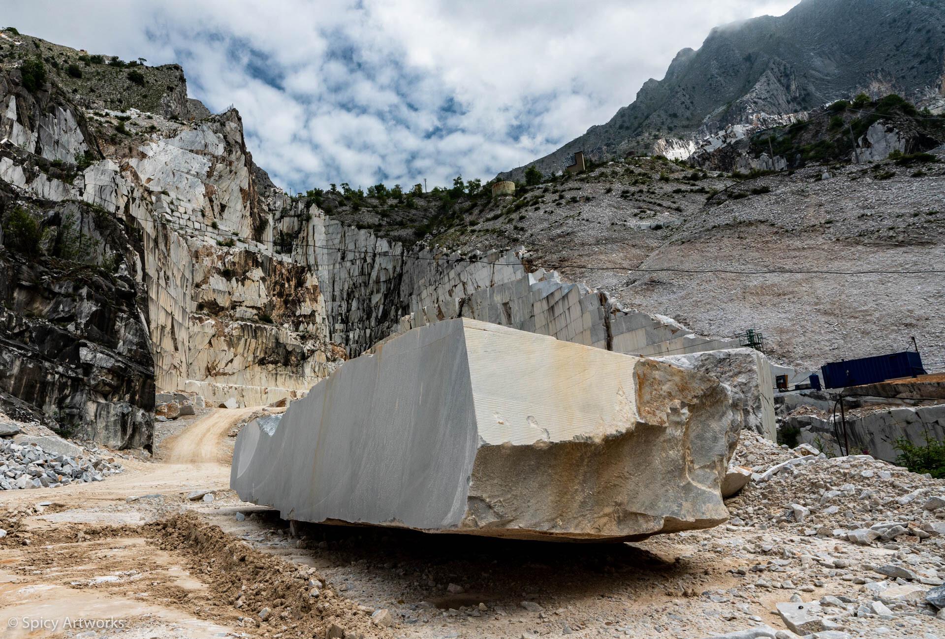 VINO ROSSO UND ROTER MOHN - Toskana 2018 - Teil 1: Marmor, Stein und Eisen bricht